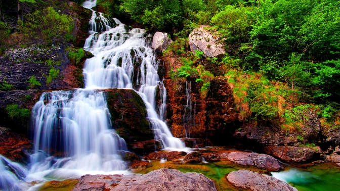 Lets Hike through a handful of matchless Waterfalls!