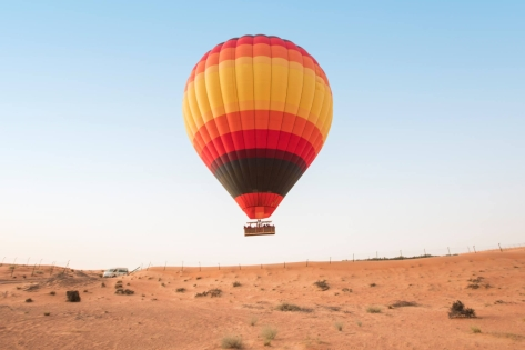 Desert Tour in Hot Air Balloons with Spouse